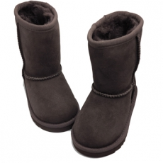 Turkissaappaat-isot-Chocolate- Classic short UGG® Australia